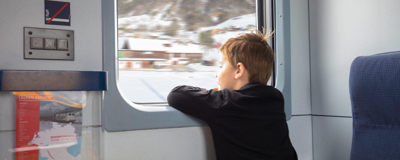 Met de skitrein naar de sneeuw: comfortabel reizen naar de wintersport!