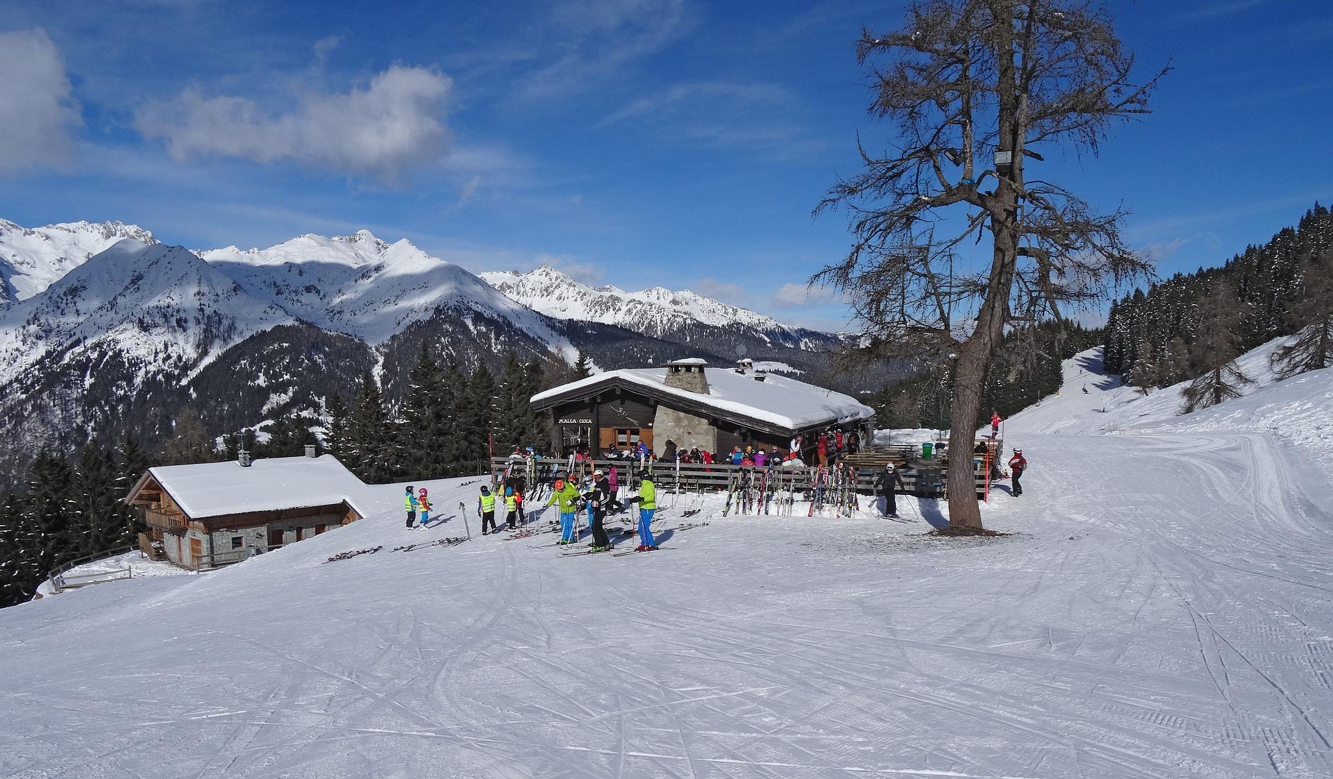 Tijd voor een tussenstop tijdens het skiën bij Madonna di Campiglio