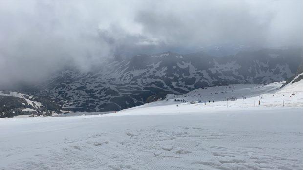 Sneeuw op de gletsjer